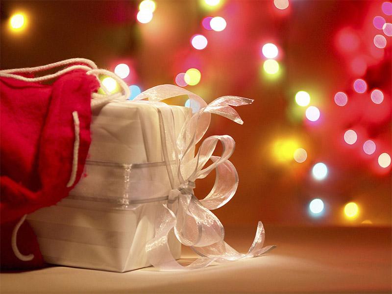ของขวัญวันพิเศษด้วยใจจากดอกไม้และขนมเค้กฝีมือคุณ